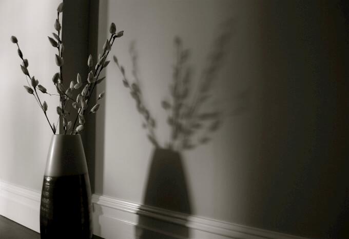 6 modi per arredare gli angoli la design - Vasi di design per interni ...